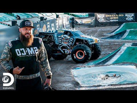 Todos terminan mojados en el Monster Jam de Las Vegas | Diesel Dave | Discovery En Español