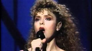 Download lagu Bernadette Peters Sings