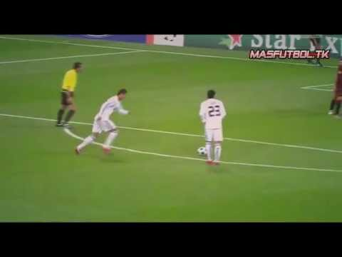 Cristiano Ronaldo Vs Lionel Messi | 2011 | Skills & Goals Travel Video