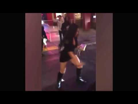 Amerikalı kızların sokak kavgası