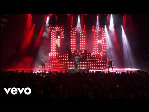 Fall Out Boy  Thnks Fr Th Mmrs Boys Of Zummer  In Chicago
