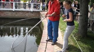 Рыбалка в Петергофе.