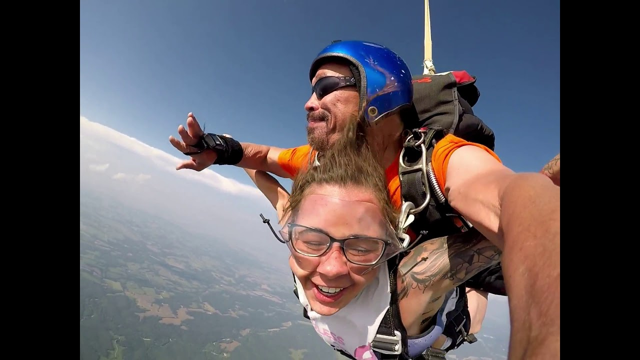 Maria Schafer goes skydiving at the Skydive Flying V Ranch!