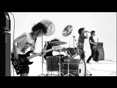 ONE OK ROCK - 完全感覚Dreamer [Official Music Video]