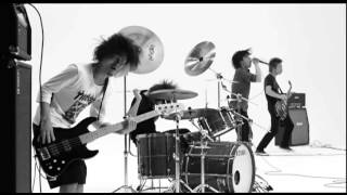 ONE OK ROCK - 完全感覚Dreamer [Official Music Video] thumbnail