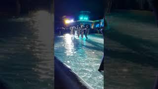 Танцы в бассейне  Хорватия