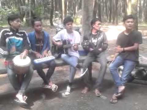 SAKUKUYUNG - SISKA SONG @Rumput Laut (Akustik)