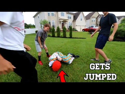 I JUMPED A KILLER CLOWN! *HE TRIED TO KILL ME*