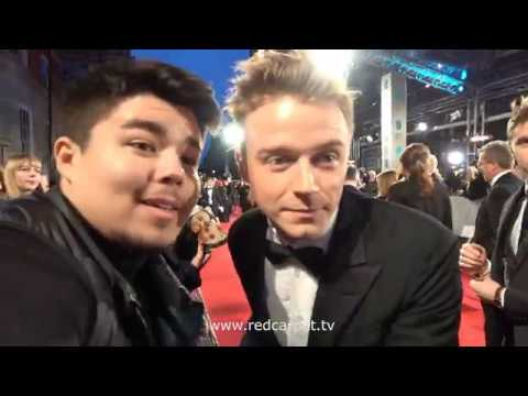 Jack Lowden (w/ Calum Lowden) Being Very Sweet With Fans On BAFTAs 2018