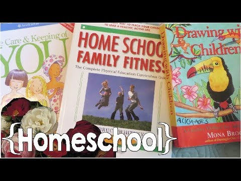Our Homeschool Electives & Book Recommendations ║ Large Family Home School