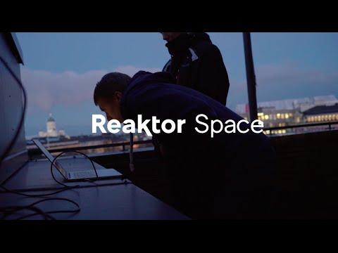 Introduction to Radios in Reaktor Hello World Satellite