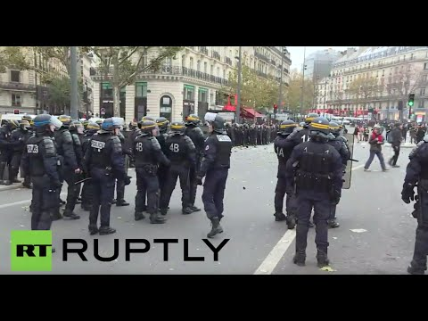Scuffles break out at Global Climate March in Paris