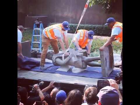 """Los Ángeles retira una estatua de Colón, """"el autor del mayor genocidio de la historia"""""""