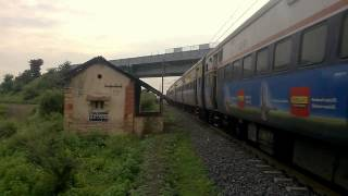 Video SUN BRIGHT SHINE DEPARTURE BHUSAWAL EXPRESS (22112)##-::!!!!!!!*