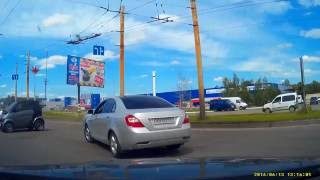 Car crash | Car accident (Dashcam) June 2016 #142 ДТП Сумы, Украина (Ukraine)(Car Crash | Car Accident (Dashcam) SUBSCRIBE https://www.youtube.com/channel/UC-5_UAMTJqR46oHhwKpNIlg?sub_confirmation=1 Авария. Сумы, ..., 2016-06-17T04:33:40.000Z)