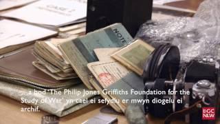 Philip Jones Griffiths: Ffocws Cymreig ar Ryfel a Heddwch