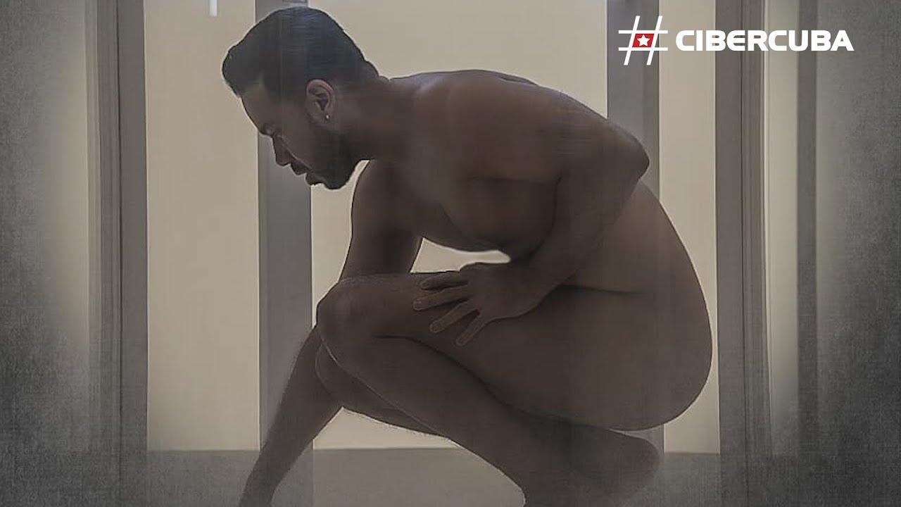 ROMEO SANTOS EN GAY