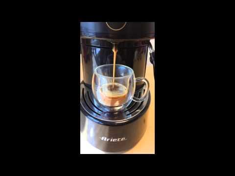 Préparation d'un café avec une dosette expresso ESE Napolitano Bio