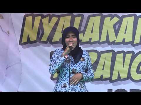 """Bu Herlina """"Kehilangan"""" - JOB FAIR SMK 2016"""