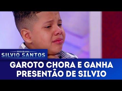 Garoto tem crise de choro e ganha PRESENTÃO de Silvio | Programa Silvio Santos (20/05/18)