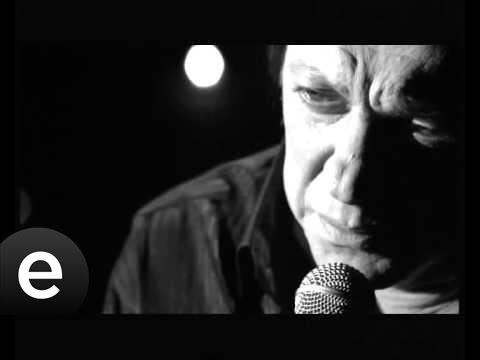 Ah Benim Sevdalı Başım (Recep Aktuğ) Official Music Video #ahbenimsevdalıbaşım #recepaktuğ indir