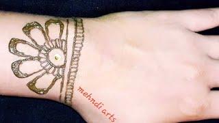 New trick new design latest mehndi design with bindi #newtrickmehndidesign