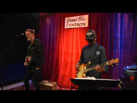 "Kevin Breit and Ian De Sousa ""Dance With Delilah"" -video Richard Sugarman"