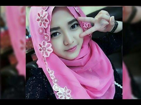 Wanita Cantik Ber Hijab