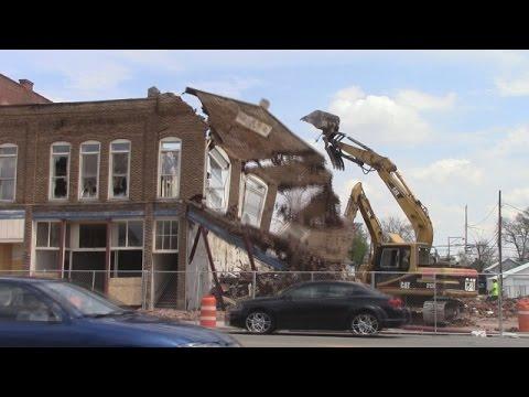 Demolition of fire-damaged North Main Street buildings begins