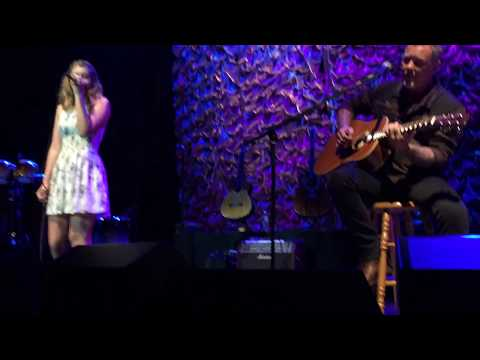James Hetfield & his daughter Cali  Acoustic4ACure San Francisco 2015 Front Row