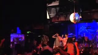 2013年7月5日渋谷クロコダイルで行われたダイナマイトポップス・ライブ「ハナキン歌謡ショー・ダイナマイトポップスのバブルへGo!」からのライブ映像です。 曲は、 ...