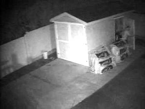 Who is Robbing Our Homes and Cars Massapequa Park 3/26/2012 317am