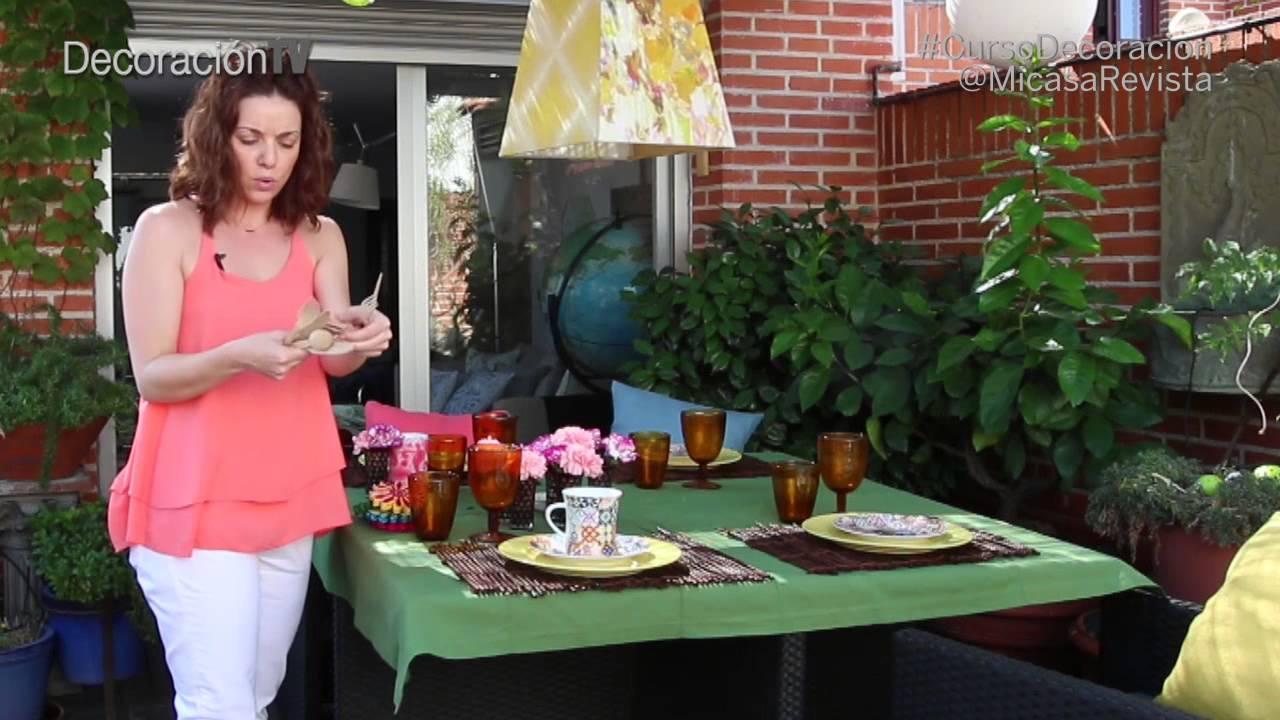 C mo montar una mesa de verano curso de decoraci n doovi for Como montar una mesa