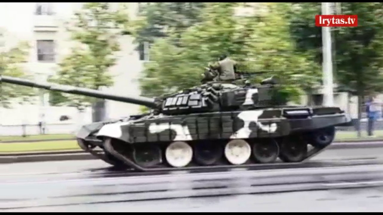 lieknėjantys balti tankų viršūnės būdai, kaip lieknėti viršutinę kūno dalį