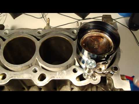 How to assemble engine VVTi Toyota Part 5: Install pistons to cylinder tubes