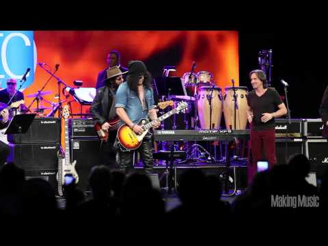 Slash Performs Sweet Child of Mine at NAMM 2015