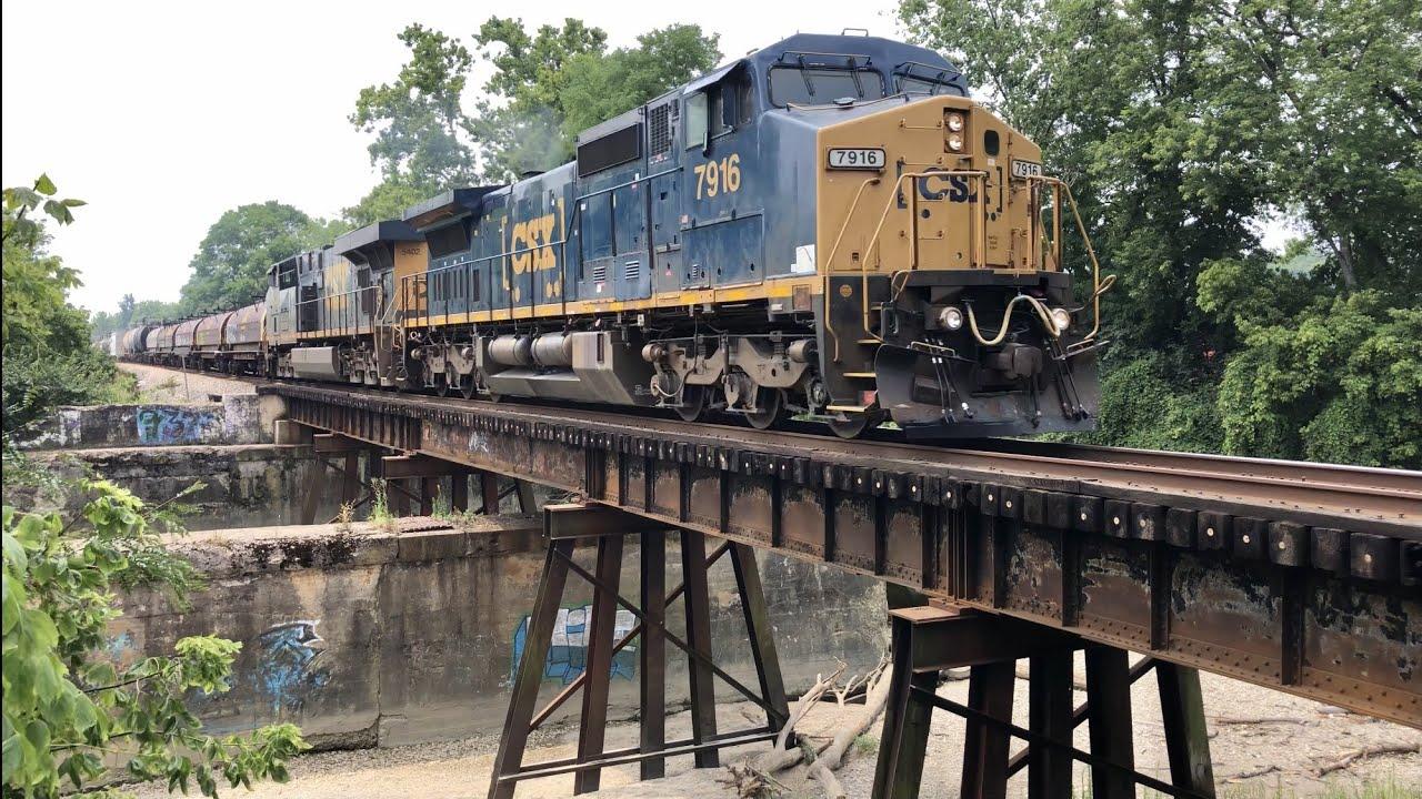 Big Railroad Trestles With 2 Fast CSX Freight Trains, Moraine Ohio Trains & Miamisburg Mixed Freight