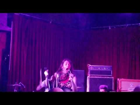 Le Butcherettes - Dress off (live) at Club Dada in Dallas Texas 8/29/2018