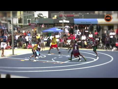 Terrell Owens Dunking at the Venice Basketball League