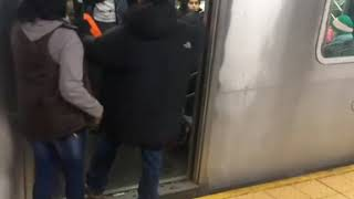 NYC Subway Fight On 4 Train