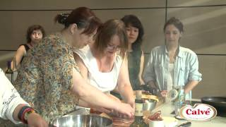 Видеорецепт: Теплый салат с персиком и сыром от Calve