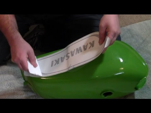 How to apply vinyl graphics to a motorcycle