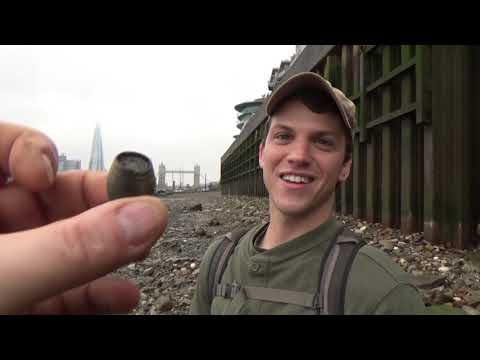 MUDLARKING the river Thames London LOST treasure finds: Mystery treasure hunter