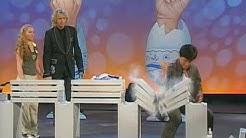 """Jackie Chan bei """"Wetten, dass.?"""" am 11.12.2004"""