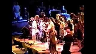 "CARLOS SANTANA ""GUAJIRA"" LIVE GIRLS DANCING ON STAGE"