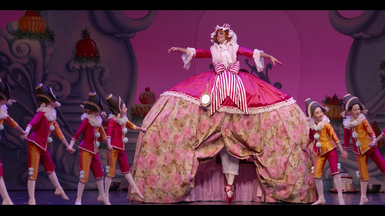 Queensland Ballet S The Nutcracker Mother Ginger Youtube