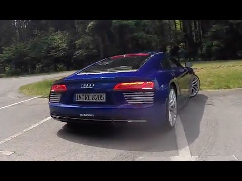 2017 Audi R8 E-TRON in the wild!