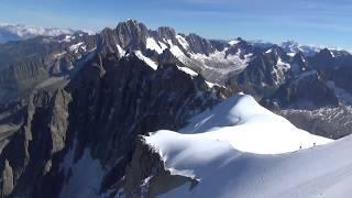 Монблан. Дорога на Mont Blanc. Часть 1.(Едем из Женевы Швейцария в Шамони Франция. Шамони. -- известный горнолыжный курорт. Поднимаемся по канатной..., 2013-10-14T07:35:30.000Z)
