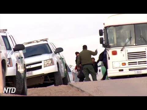 Over 400 Migrants Cross Border, Surrender to Border Patrol in Texas