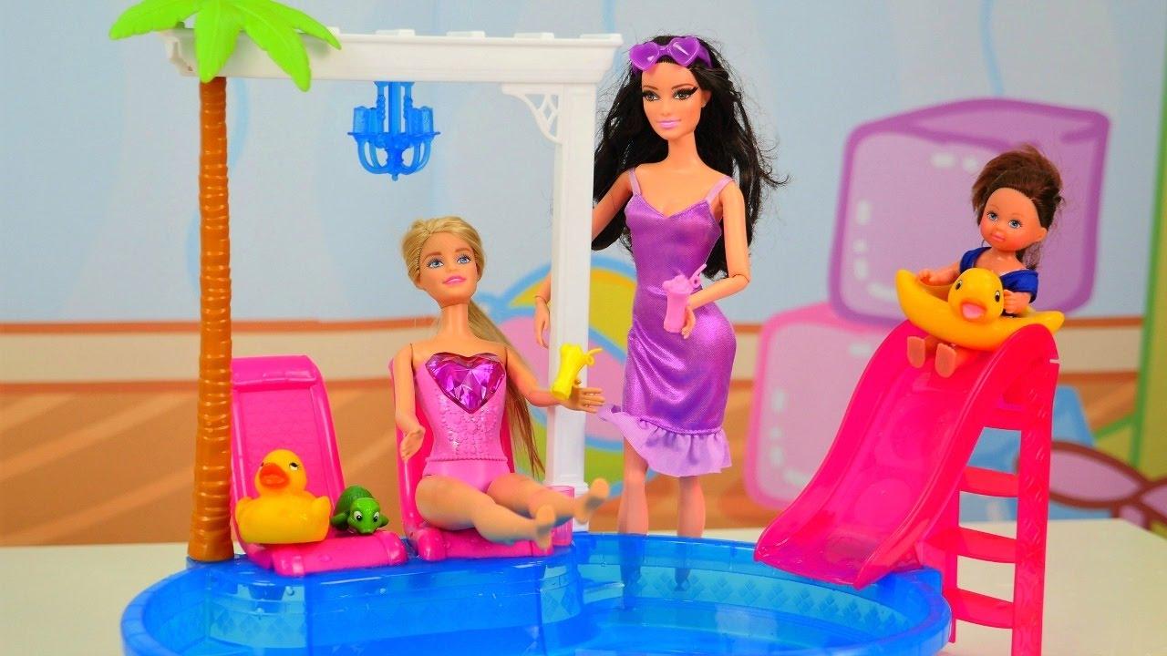 Барби в Бассейне. Barbie и домашние животные